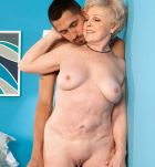 Chesty grandma Jewel having bare booty and beaver blown by junior stud