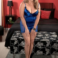 Beautiful MILF over 60 Luna Azul receiving attention from 2 hung younger men
