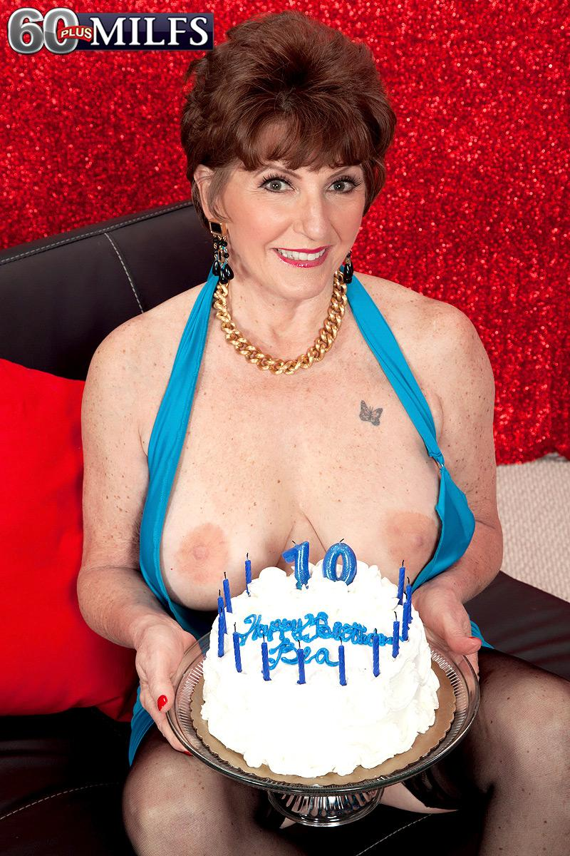 Bea Cummins And Jewel Awesome 70 milf bea cummins showing ample all natural mature titties on