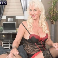Huge-boobed lingerie garbed experienced X-rated starlet Madison Milstar milking sausage in hose