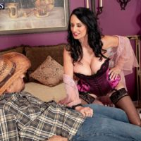 Seductive 60+ Babe Rita Daniels Loves The cock