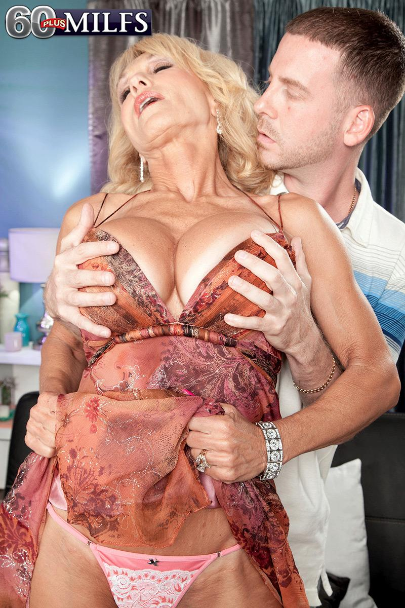 Older ash-blonde babe Cara Reid uncovering huge grandmother XXX actress fun bags before sex