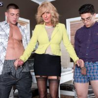 Over 60 yellow-haired MILF Phoenix Skye blowing massive hard-ons in MMF 3 way