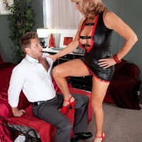 Spindly blonde grannie Phoenix Skye giving monster-sized cock hand job and fellatio in pumps